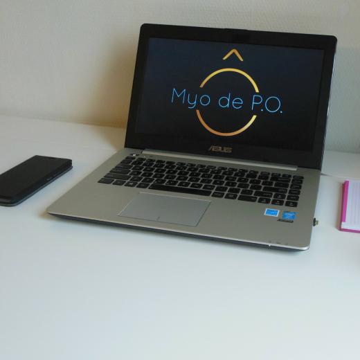 Laptop van Myo de P.O.
